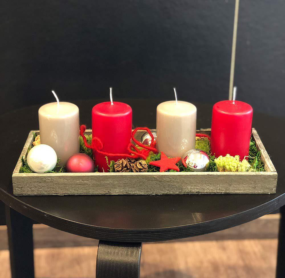 Adventsfries mit Kerzen