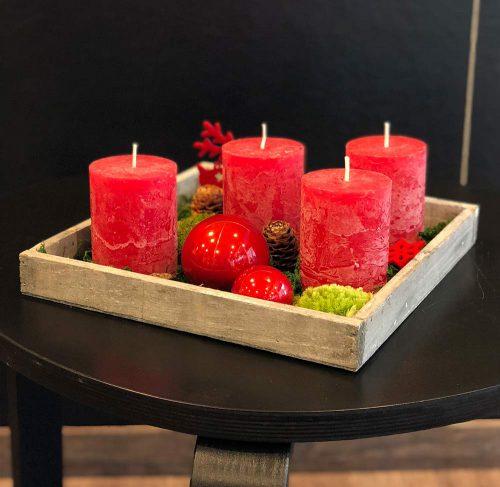 Günstiges Adventstablett mit roten Kerzen