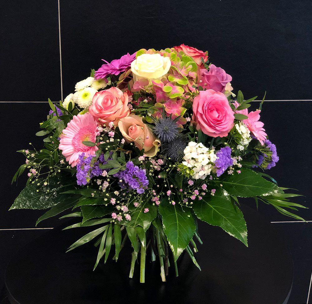 Premium Blumenstrauß für echte Heldinnen und Helden